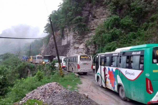 घामपानी दुबैमा नारायणगढ–मुग्लिन सडक जोखिममा